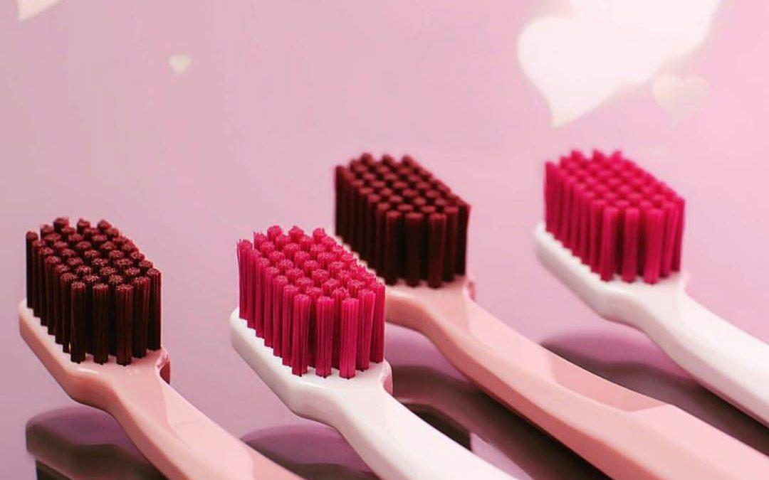 Come prendersi cura del proprio spazzolino